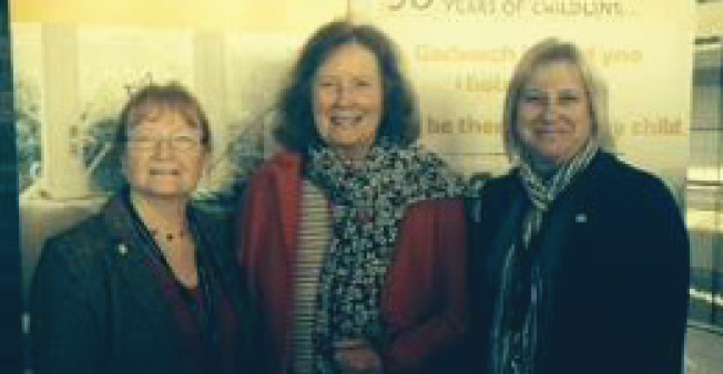 Linda Grace, Chair of Trustees at Jig-So: With Julie Morgan AM, Chair of the Children and Young People's Committee, and Claire Short