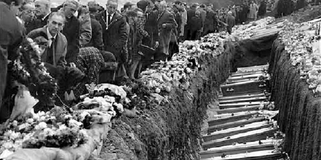 Aberfan: Bu farw 116 o blant