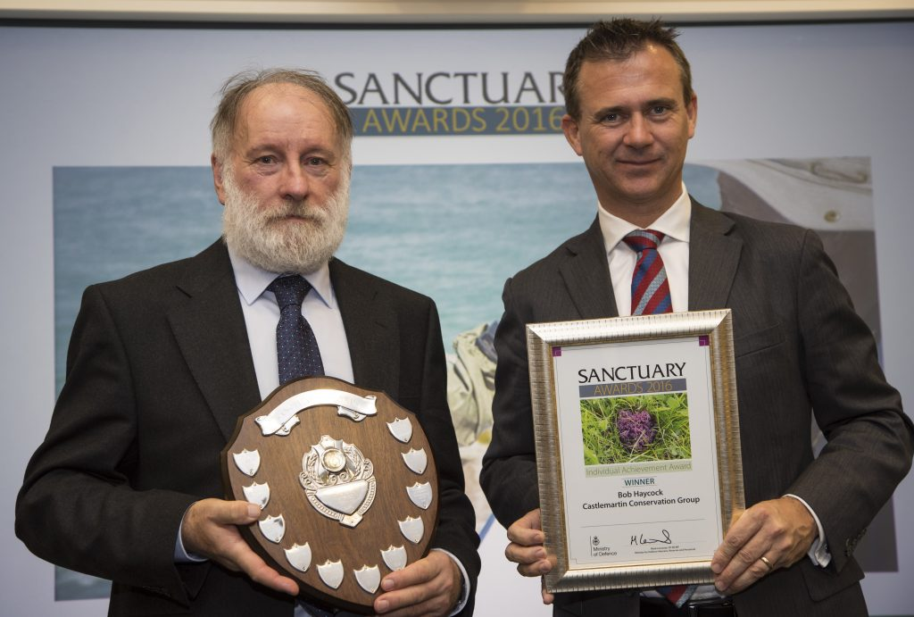 Bob collecting his award from Defence Minister Mark Lancaster (pic. MOD)